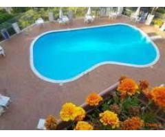 Napoli via Caravaggio  In parco prestigioso con piscina