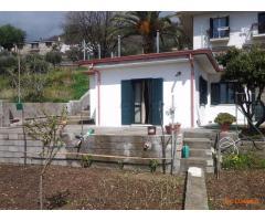casetta indipendente giardino e veranda ad uso esclusivo