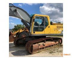 Vendesi escavatore cingolato Volvo