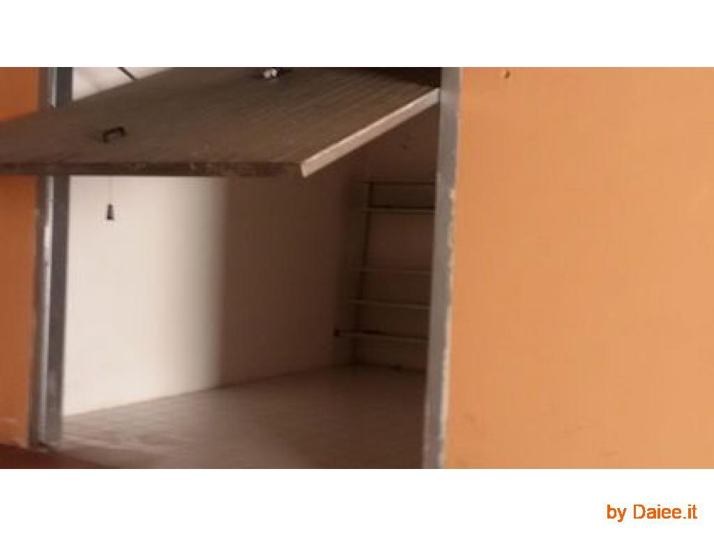 piccolo garage affitto